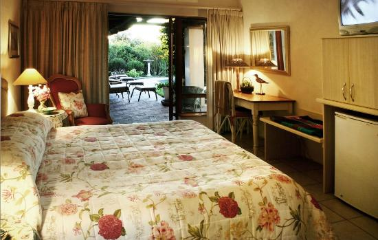 Milkwood Country Cottage: Luxury Guest Room