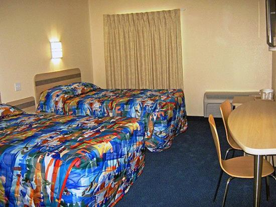 ‪‪Motel 6 Norman‬: Guest Room -Double-‬