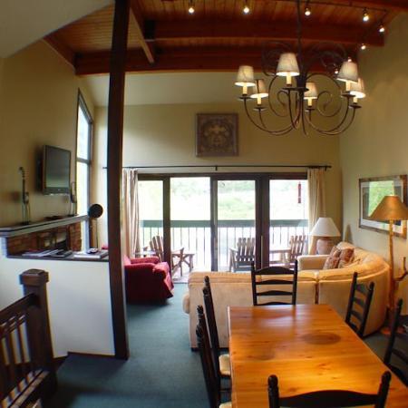 特柳賴德河畔高山旅館照片