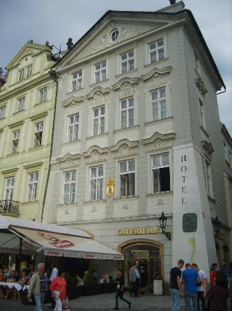 Old Town Square: esterno dell'albergo
