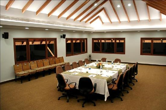 Lemon Tree Vembanad Lake Resort: Conference Room