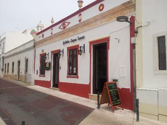 Iguana Cafe: Entrada