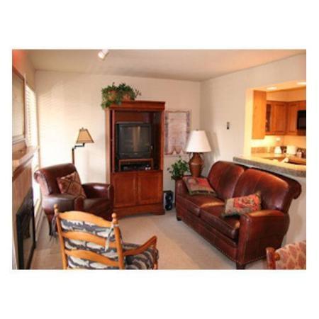 ResortQuest Cottonwood at Sun Valley : Living room