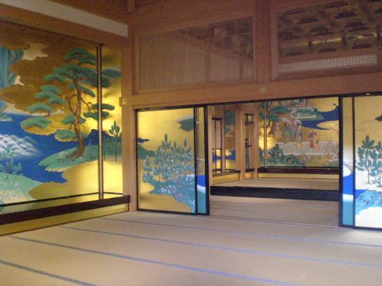 Kumamoto Castle: Grand hall interior