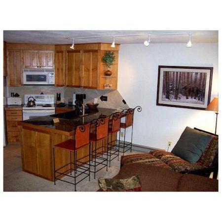 Iron Horse Resort: Kitchen