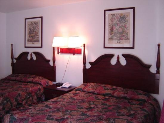 Hershey Travel Inn: Standard Two Double Beds Room