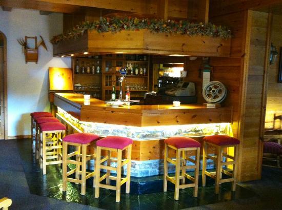 Hotel del Tarter: Ven i tómate algo con nosotros en el bar