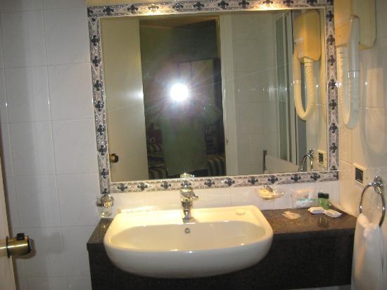 Flora Hotel: rien ne manque, propreté impeccable