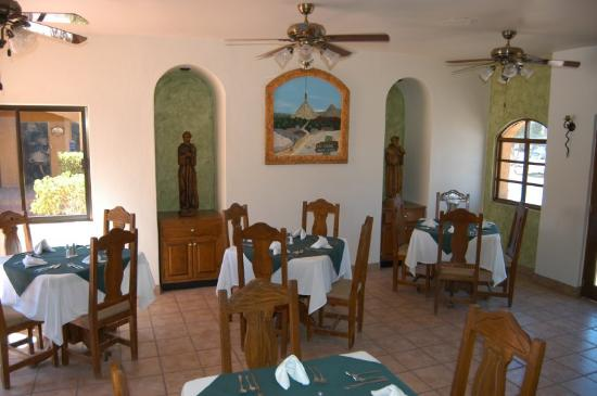 Hacienda Suites: Bar