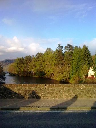 Bank House B&B: Lovely village and the Loch Ness