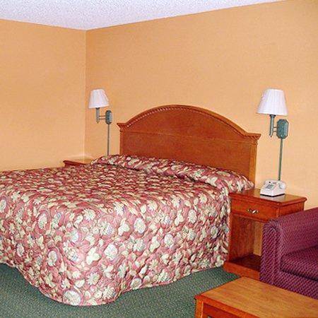 American Inn: Guest Room