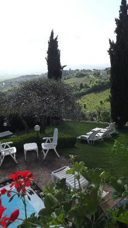 Hotel Vecchia Oliviera: Vista Piscina