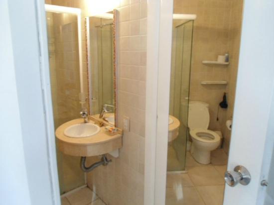 Modigliani Art & Design Suites Mendoza: Modigliani: baño
