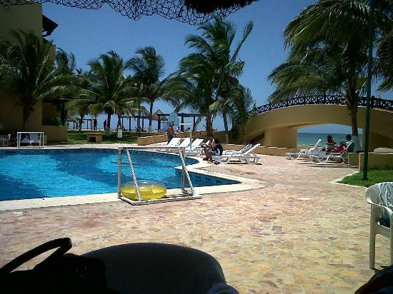 Hotel Reef Yucatan - All Inclusive & Convention Center: Alberca