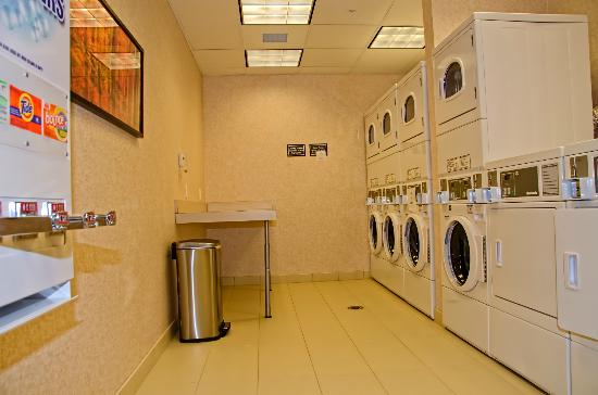 Residence Inn by Marriott Springfield South: Guest Laundry