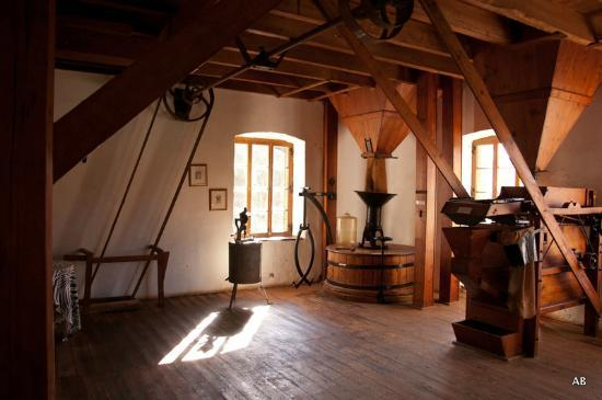 Kings Grant Country Retreat: Mill 