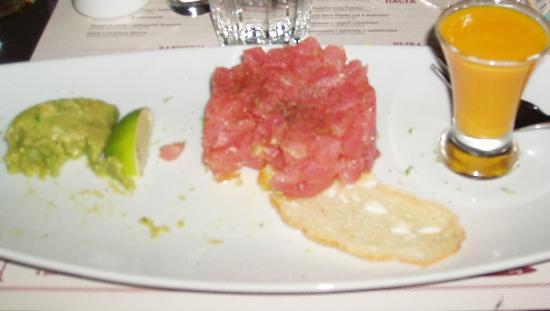 Probka Bar : tartare with avocado cream and mango juice