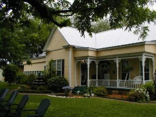 Pomegranate House & Cottages B&B : Other Hotel Services/Amenities