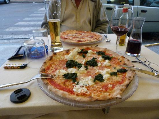 Villa Cavadini Relais: Pizzeria Luna Rosso