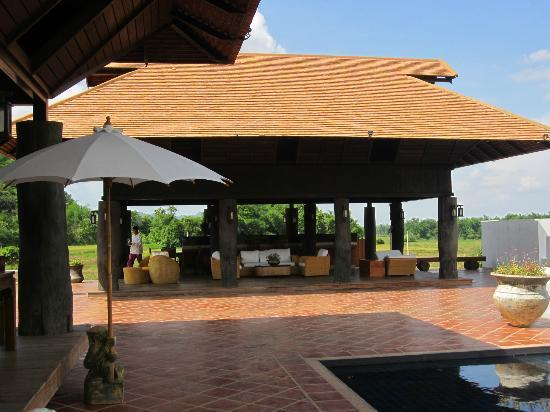 Manee Dheva Resort & Spa : The restaurant
