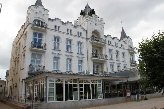 Usedom Palace: Außenansicht Strandpromenade