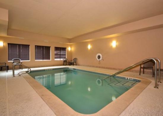 Comfort Suites North: Indoor Heated Pool