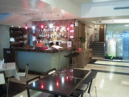 The Seasons Bangkok Huamark: Bar