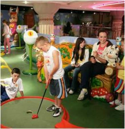 Funtasia Waterpark: Crazy Golf