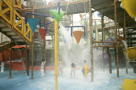 Funtasia Waterpark: Pirate's Cove Waterpark