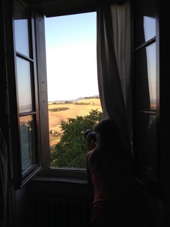 B&B Al di Fuori del Tempo: Dawn out our bedroom window.