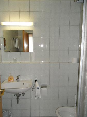 Businesshotel Berlin: Bathroom