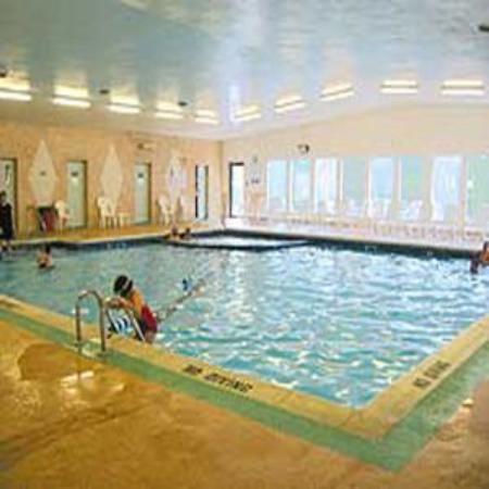 Yarmouth Resort : Indoor Pool