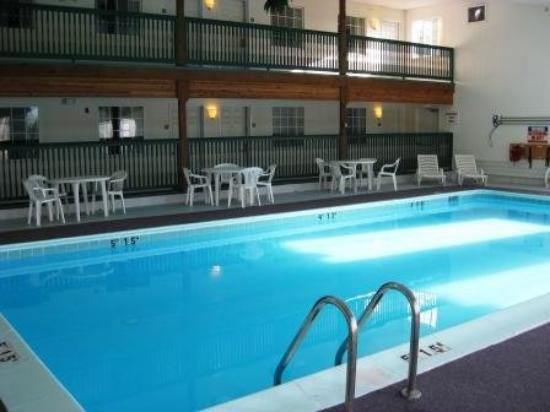 Voyager Inn of Saint Ignace: Indoor Heated Pool