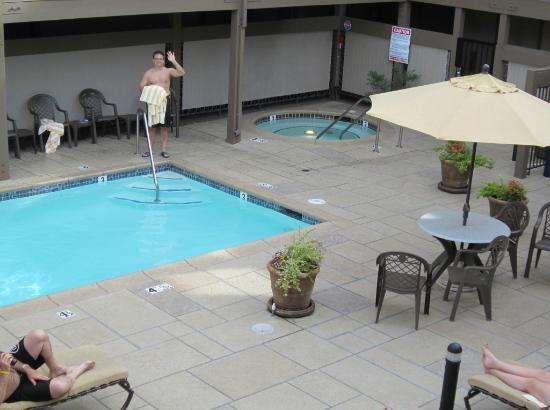 Best Western Plus Inn At The Vines: Wonderful pool area