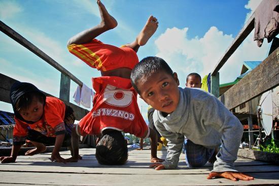 Wakatobi Dive Resort: kids next door village showing their dance move :)
