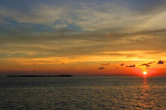 Wakatobi Dive Resort: everyday sunset