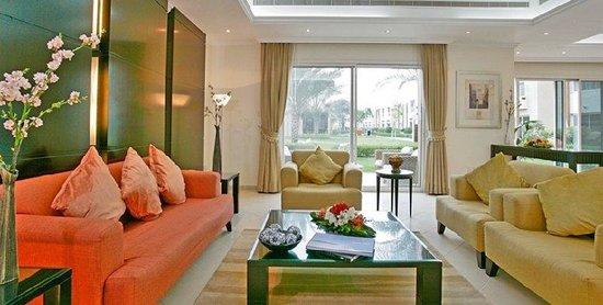 Rose Garden Hotel Apartments - Bur Dubai: Living Room Villa