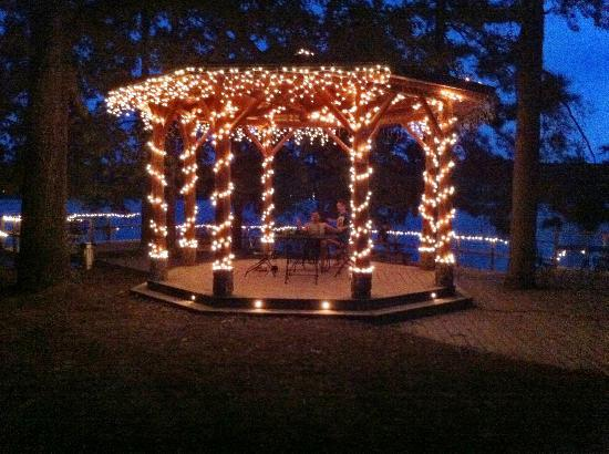 Five Points Cabins: Gazebo at night