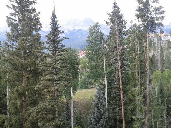 Mountain Lodge Telluride: This picture doesn't do justice to the view - spectacular peaks
