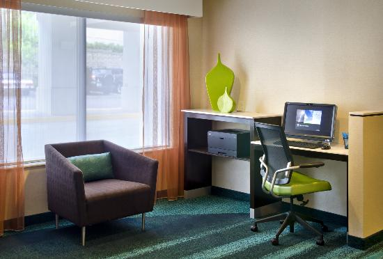 SpringHill Suites Danbury: Business Center