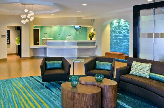 SpringHill Suites by Marriott Danbury: Front Desk