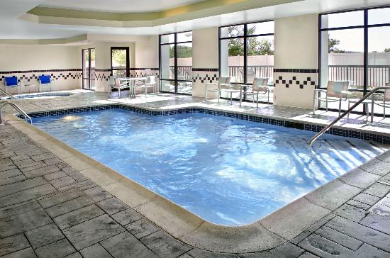 SpringHill Suites by Marriott Danbury: Indoor Pool