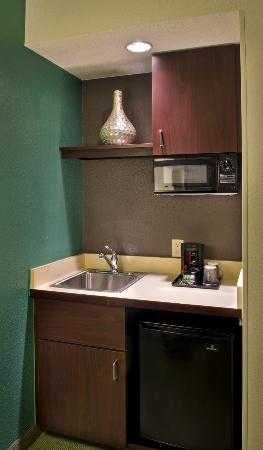 SpringHill Suites Danbury: Suite Kitchenette