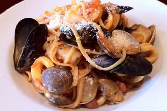 Rovali's Ristorante Italiano: Rovalis Seafood Borghese
