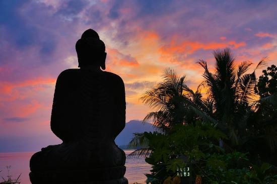Bunaken Island Resort: sunset