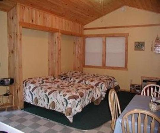 Nantahala Cabins : Cabin #1 Beds