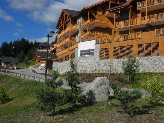 Residence l'Oree des Neiges : les balcons donnent tous sur la vallée