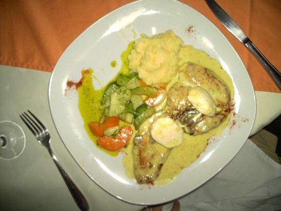 Claudio y Gloria : Chicken Dish