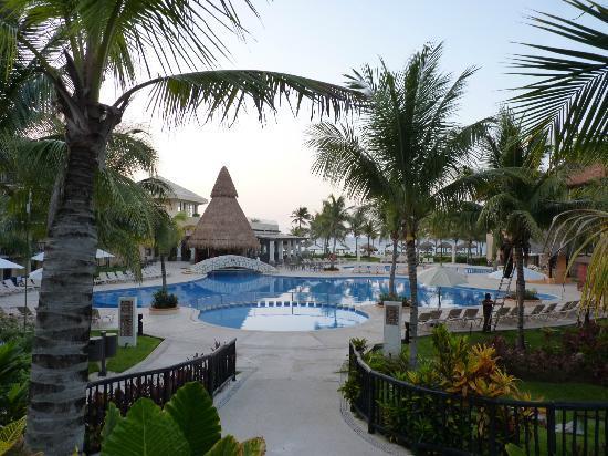 Catalonia Yucatan Beach: une des 5 piscine