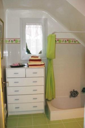 Les Bouteilles : salle de bains